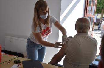 Zdjęcie: Mobilny Punkt Szczepień w Sieniawie