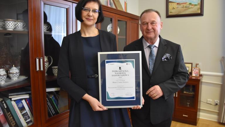 Zdjęcie główne newsa: Miasto i Gmina Sieniawa wyróżniona w konkursie Podkarpacka Nagroda Samorządowa