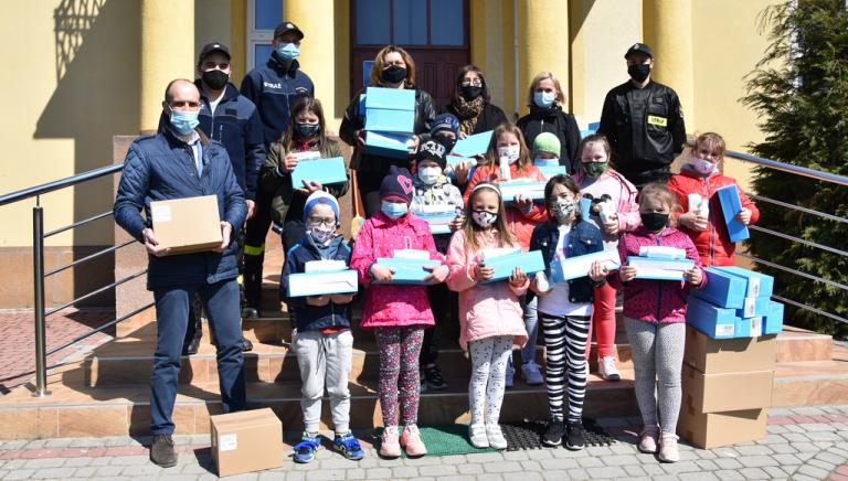 Zdjęcie główne newsa: Pomoc w czasie pandemii. Firma Miamed Sp. z o.o przekazała środki do dezynfekcji i higieny dla uczniów i pracowników