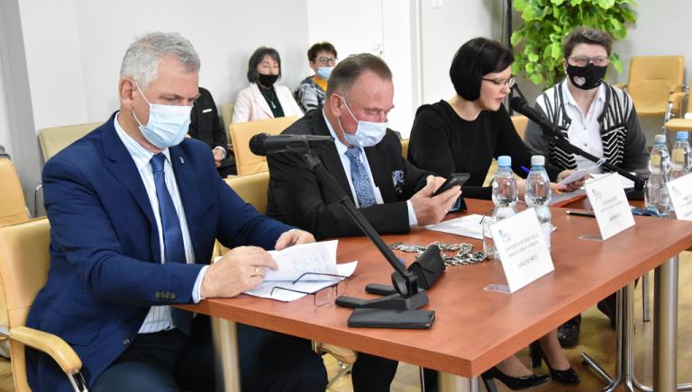 Zdjęcie główne newsa: XXIII sesja Rady Miejskiej w Sieniawie