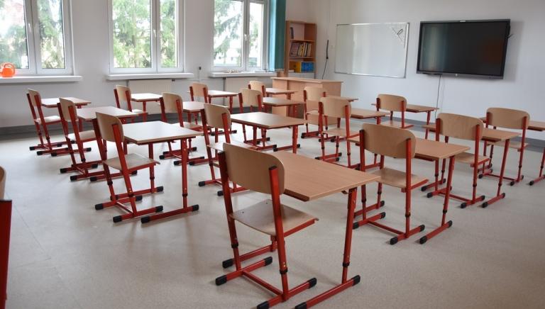 Zdjęcie główne newsa: Remont w Szkole Podstawowej w Sieniawie. Ostatnie przygotowania przed nowym rokiem szkolnym