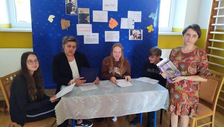 Zdjęcie główne newsa: Uczniowie i nauczyciele szkoły w Rudce czytali