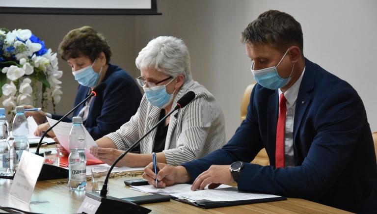 Zdjęcie główne newsa: Zawiadomienie o zwołaniu XXVII sesji Rady Miejskiej w Sieniawie
