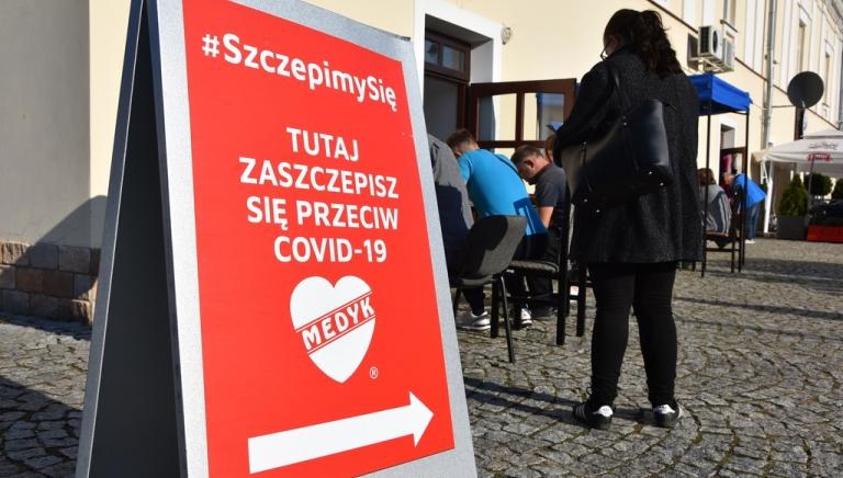 Zdjęcie główne newsa: Mobilny Punkt Szczepień w Sieniawie już 30 września. To również ostatni dzień, aby dokonać spisu powszechnego